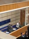 Julian Assange dans le box des accusés